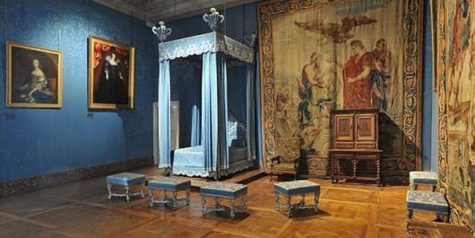 http-::blog.driehausmuseum.org:2013:10:04:luxurious-sport-chateau-de-chambord-france: