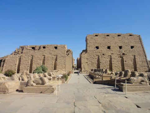 http-::onestep4ward.com:what-to-do-with-a-couple-of-days-in-luxor: