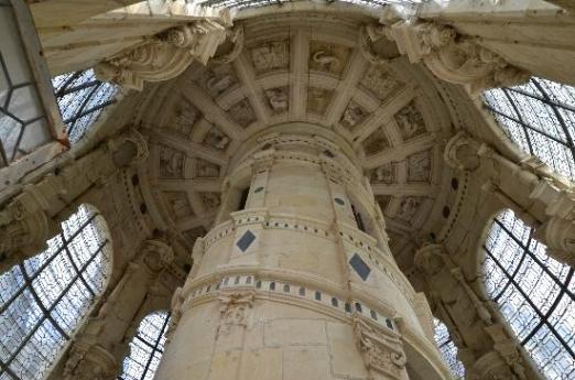 http-::planetden.com:architecture:royal-chateau-de-chambord-france