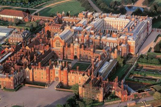 http-::www.landmarktrust.org.uk:news-and-events:visiting-landmarks:visiting-hampton-court: