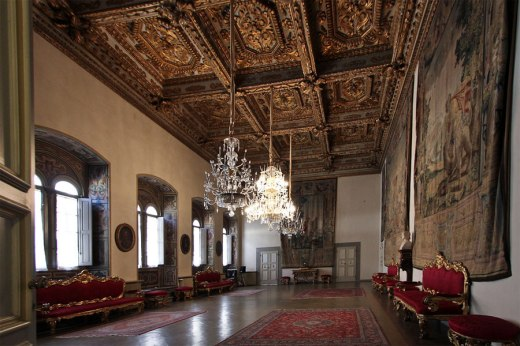 http-::www.museumsinflorence.com:musei:medici_riccardi_palace