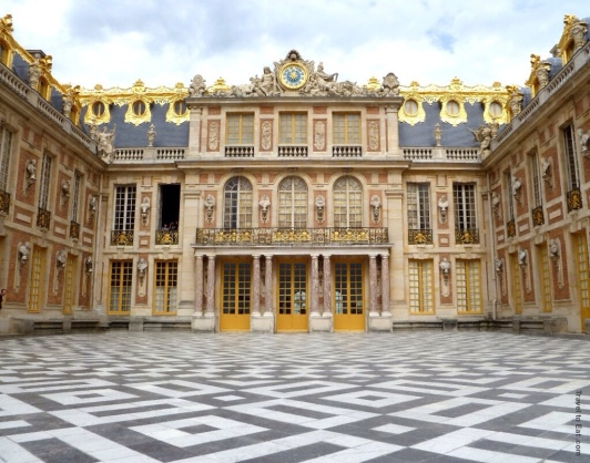 https-::traveltoeat.com:palace-of-versailles-the-entrance: