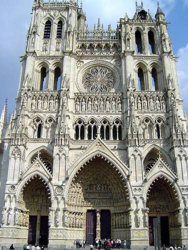 https-::upload.wikimedia.org:wikipedia:commons:f:f1:Cathedral_of_Amiens_front
