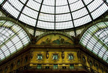 1024px-Galleria_Vittorio_Emanuele_IIa